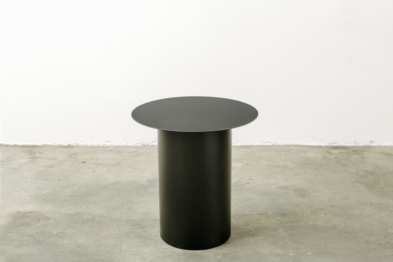 Coffee table and stool chiodo 5